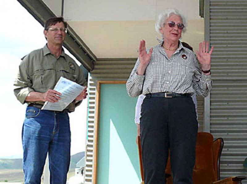 03 Marjorie Scott I declare the Mitta Lodge open, with Pres Adrian Bond 27.10.07