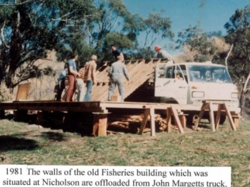 01 1981 Offload Margetts truck
